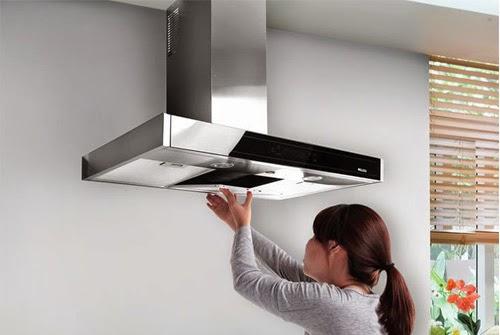 Thường xuyên lau chùi máy khử mùi đảm bảo cho máy hoạt đồng ổn định và bền bỉ